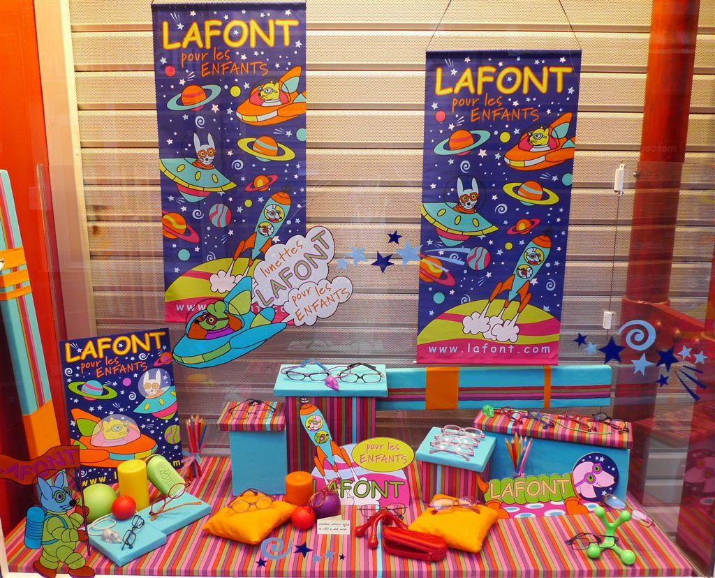 vitrine lafont pour les enfants iris optique valence le blog lafont. Black Bedroom Furniture Sets. Home Design Ideas